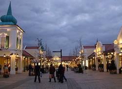 Predvianočné nákupy v Parndorfe